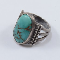 Vintage Navajo Sterling Silver Ring with Natural Turquoise