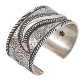 Edison Cummings Sterling Silver Cuff with Wave Repousse and Traditional Buttons